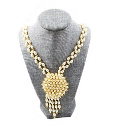Pearl Necklace 01